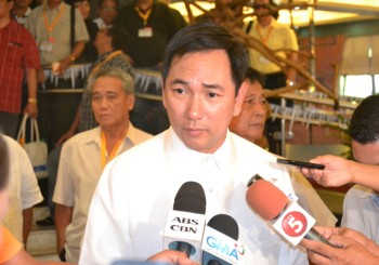 "Petilla: ""Let us give peace a chance"""